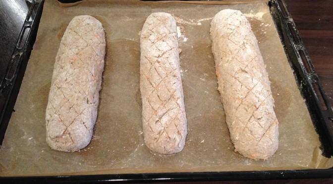 Brot mit Möhren … zu feucht … läuft aus